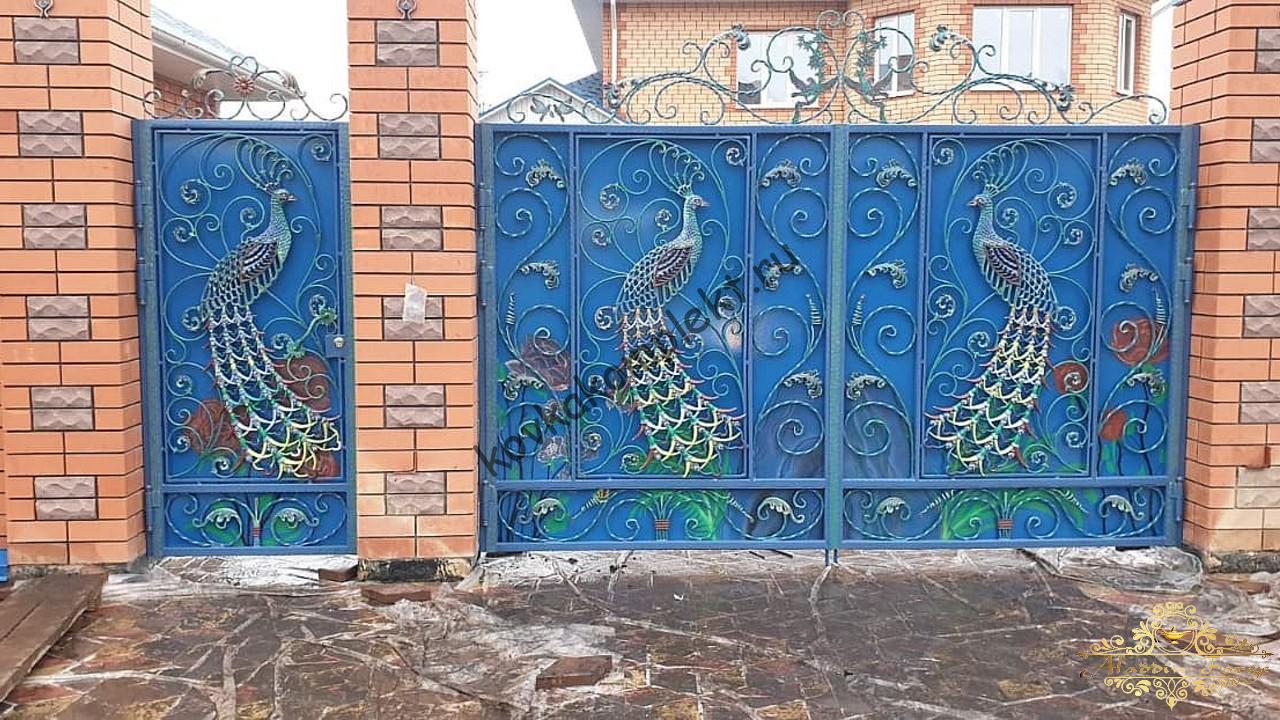 Ворота кованые с павлинами