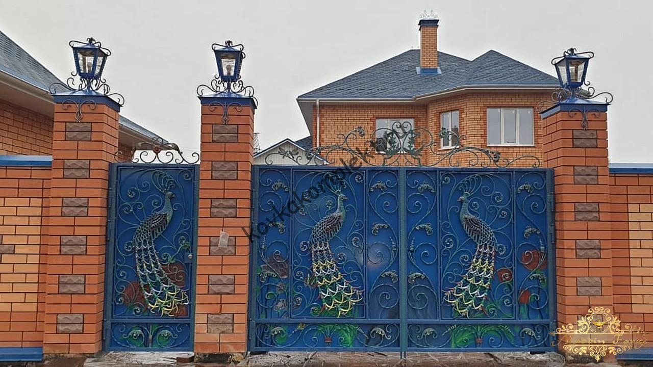 Ворота кованые с павлинами1
