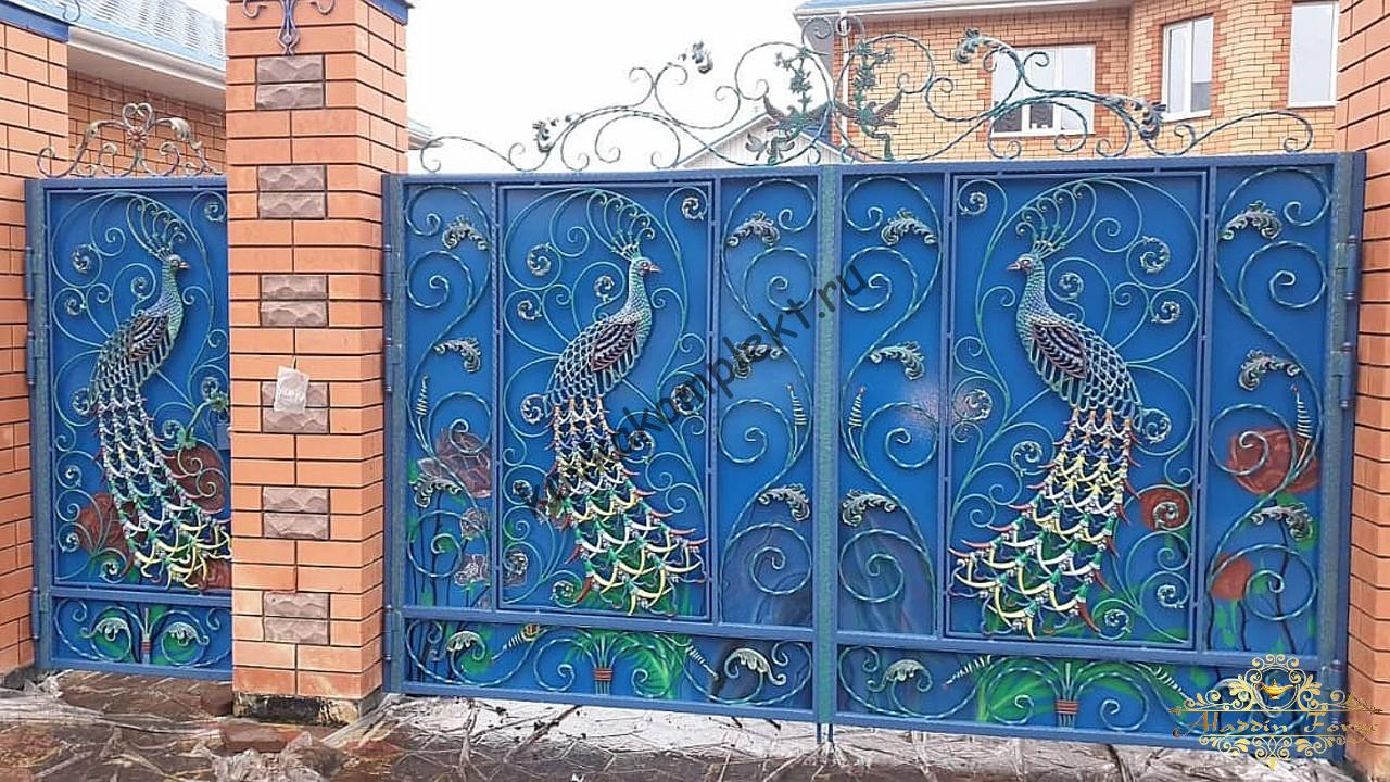Ворота кованые с павлинами3